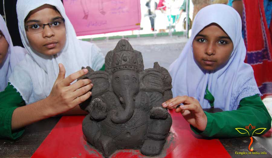 Muslim school childrens-ganesh