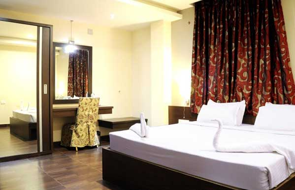 hotel-athidhi-grand-room