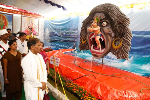 Anjaneya-entering-mouth