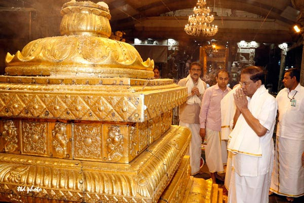 sri-lanka-president-at-tirumala