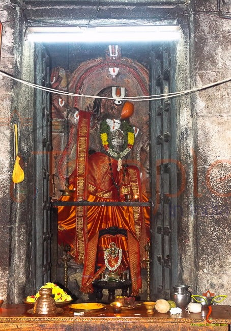 Hanuman-Temple-ChandragiriFort