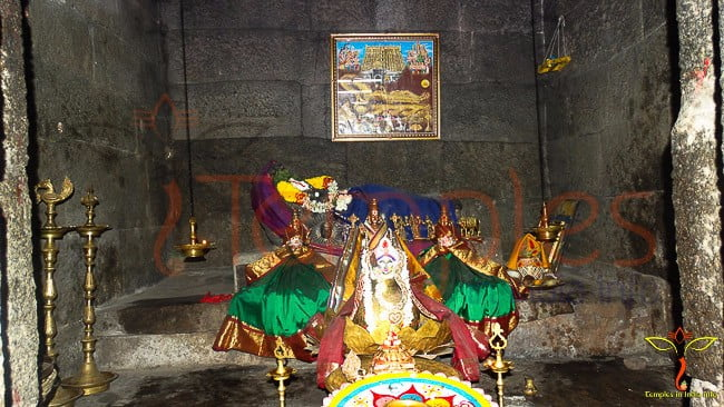 Vishnu-Hanuman-Temple-ChandragiriFort