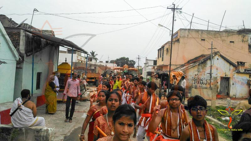 Childrens-Procession