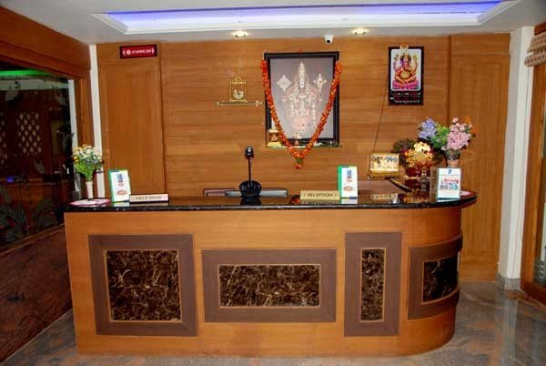 hotel-slv-grand-front-office